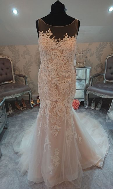 Enzoani dress size 20