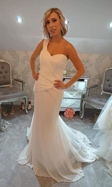Pronovias dress size 12