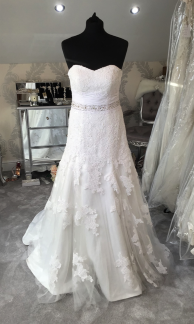 Enzoani Dress size 10