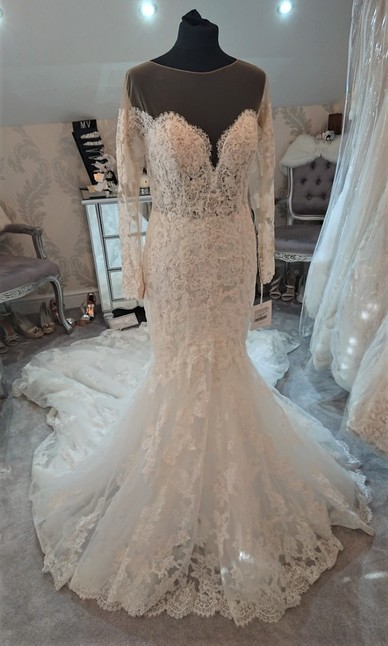 Pronovias Ivory/Nude size 10/12 - Front