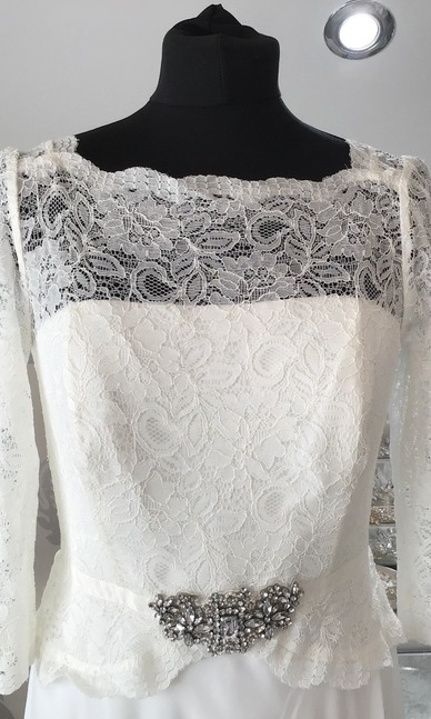 Jenny Packham Ivory size 12 close up